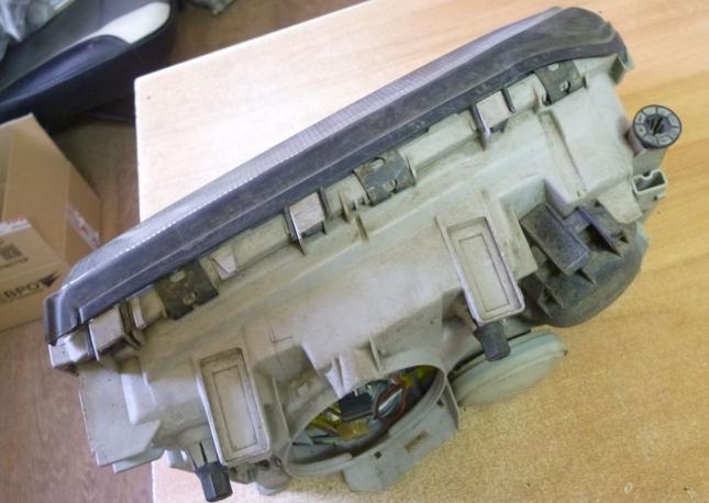 Фара левая галоген W140 mercedes