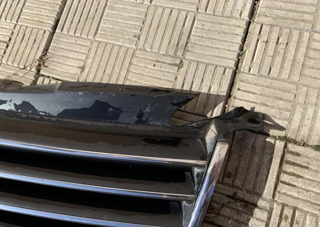 Решетка Радиатора VW Passat B5+ Б/у Оригинал 3B0853651