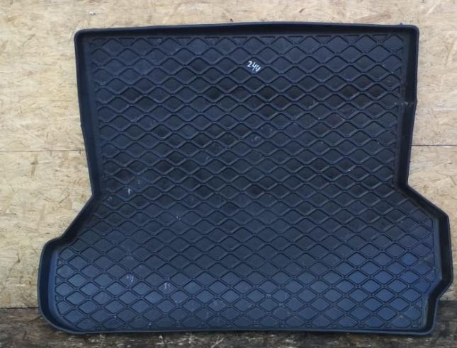 Коврик багажника Toyota Land Cruiser 100 резиновый черный купить