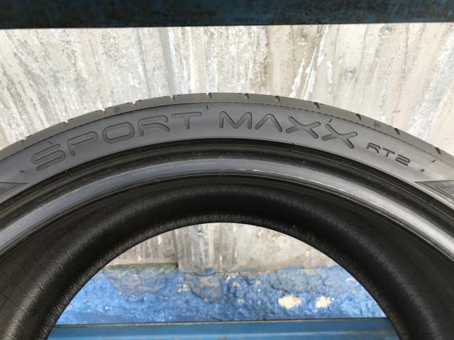285/30 R19 Dunlop Sport Maxx RT2 98Y