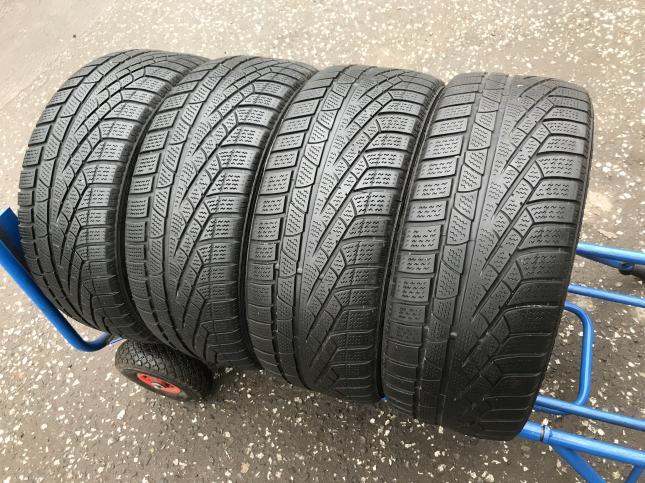 225 45 18 Pirelli Winter Sottozero 240