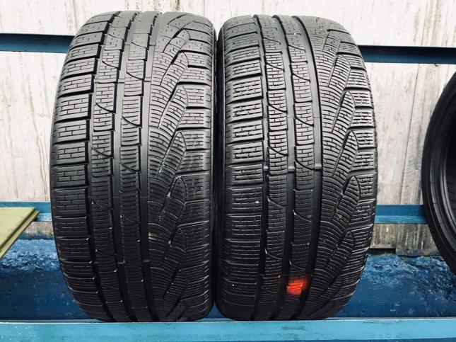 235/40/R19 Pirelli Winter 240 Sottozero 2 91V