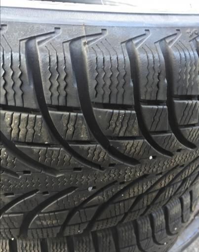 215/70R16 Michelin latitude Alpin LA2 две штуки