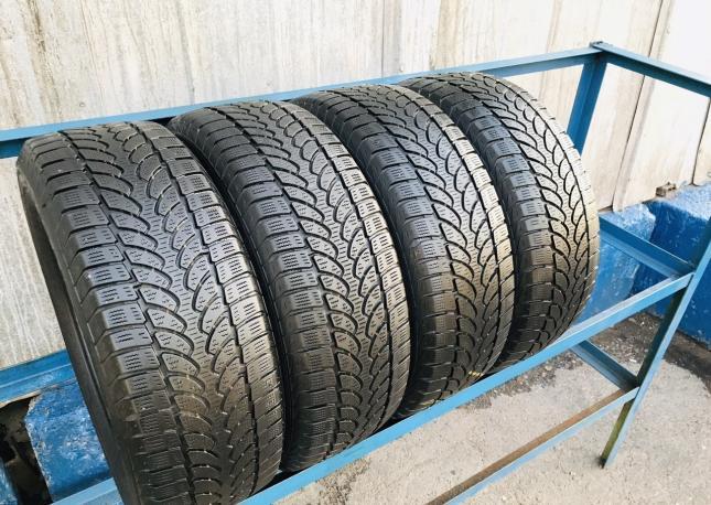 235/60/17 Bridgestone Blizzak LM80