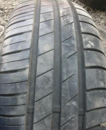 R15 / 185 / 60 goodyear efficient grip compact