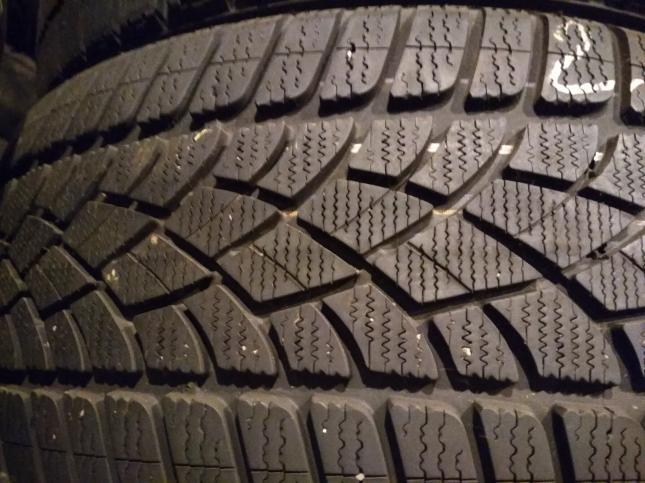 245/45 R18 Dunlop SP Winter Sport 3D