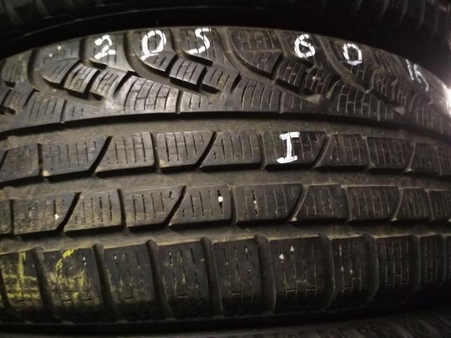 205/60 R16 Pirelli SottoZero ll