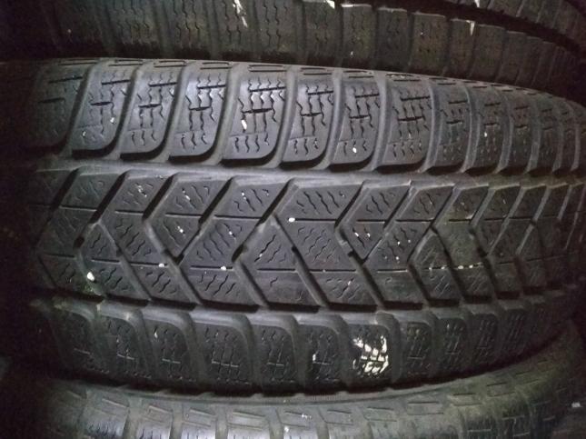 215/65 R16 Pirelli Winter Sottozero 3