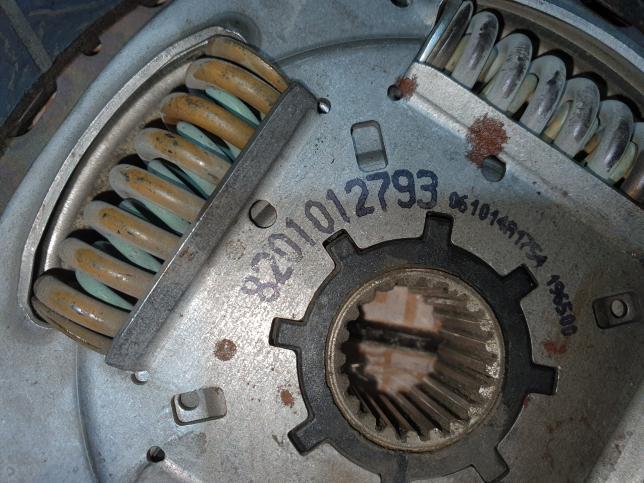 Рено Каптур 2л МКПП корзина сцепления оригинал
