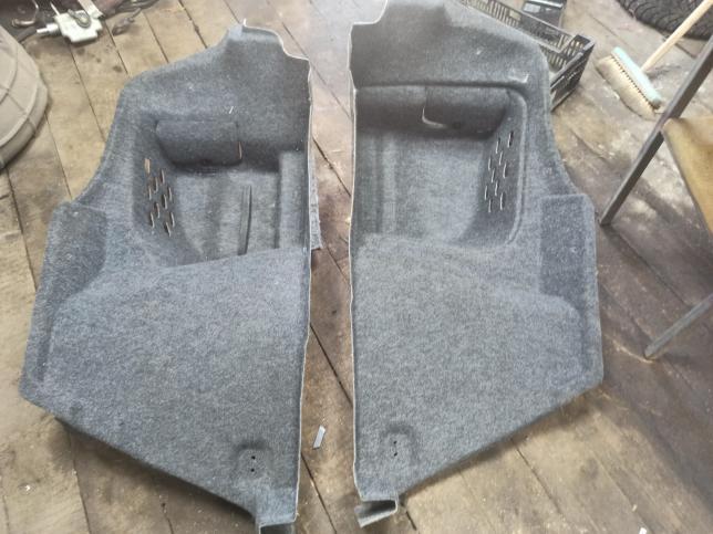 Обшивка багажника левая правая Skoda Octavia A5 1z5867428j